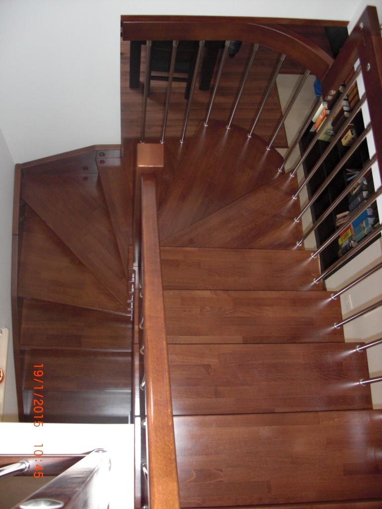 """Интериорна дървена стълба-ПРОЕКТ-71-1 """"П"""" образна"""