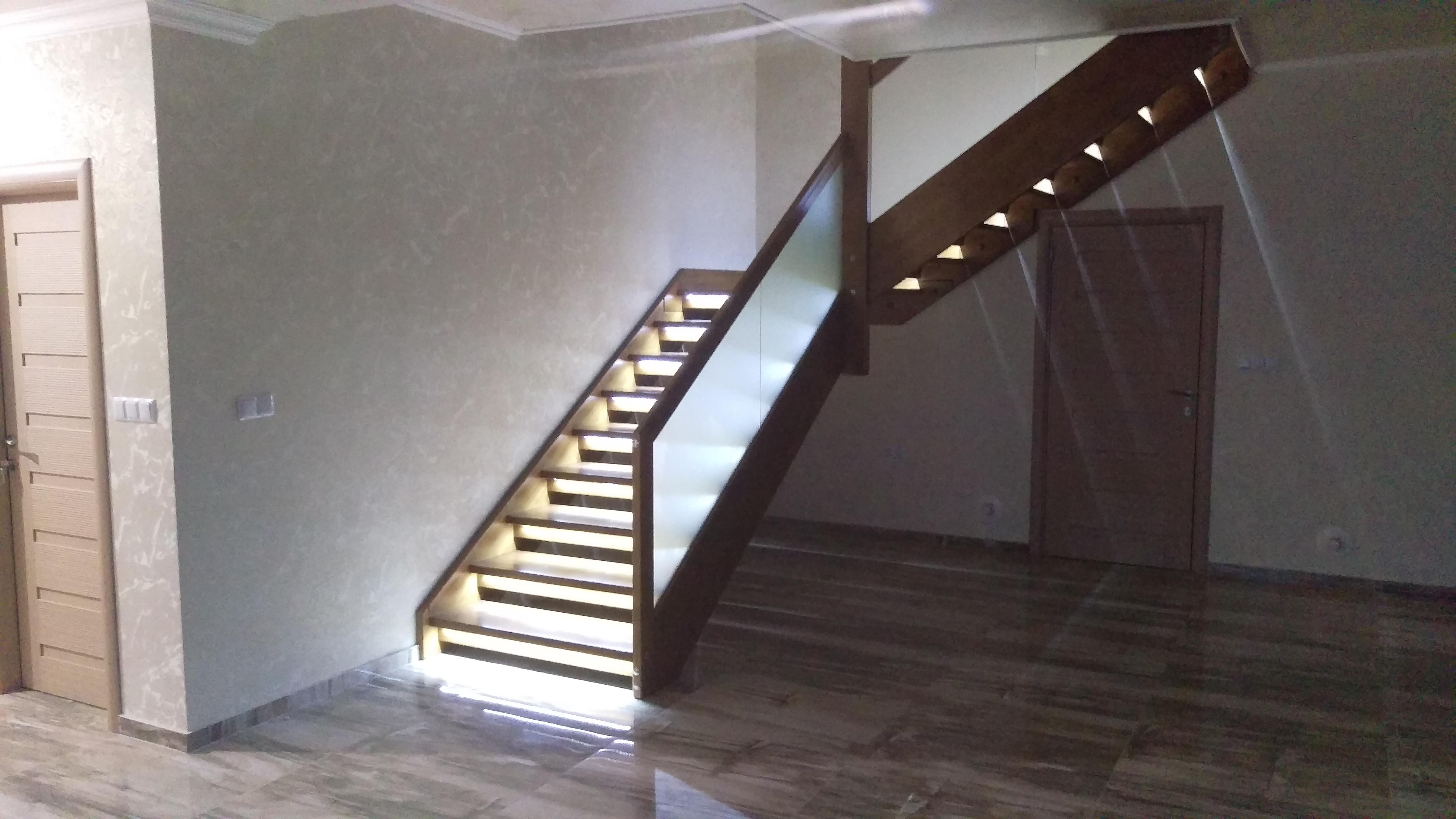 Интериорна дървена стълба-ПРОЕКТ-90-2