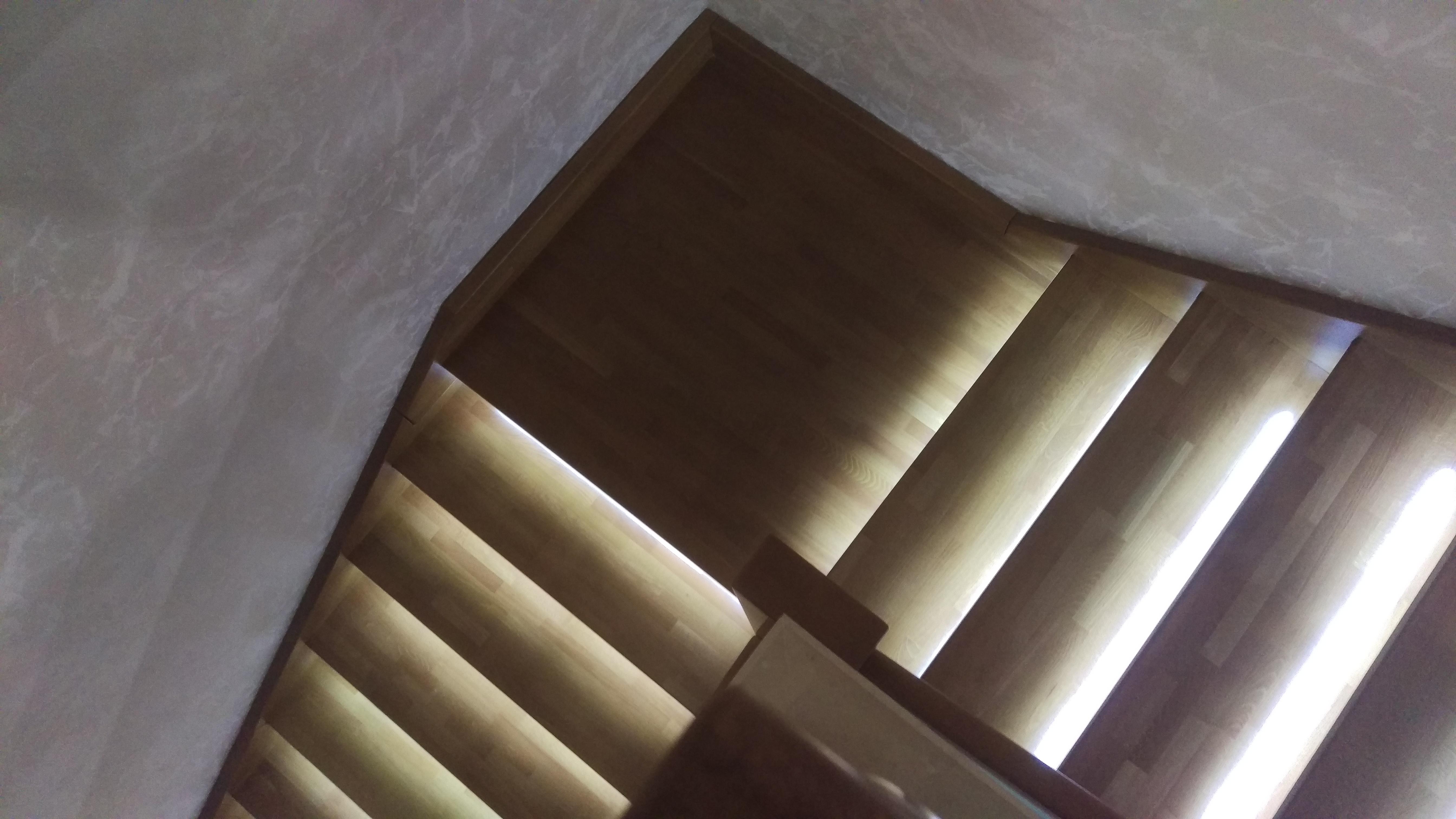 Интериорна дървена стълба-ПРОЕКТ-90-3