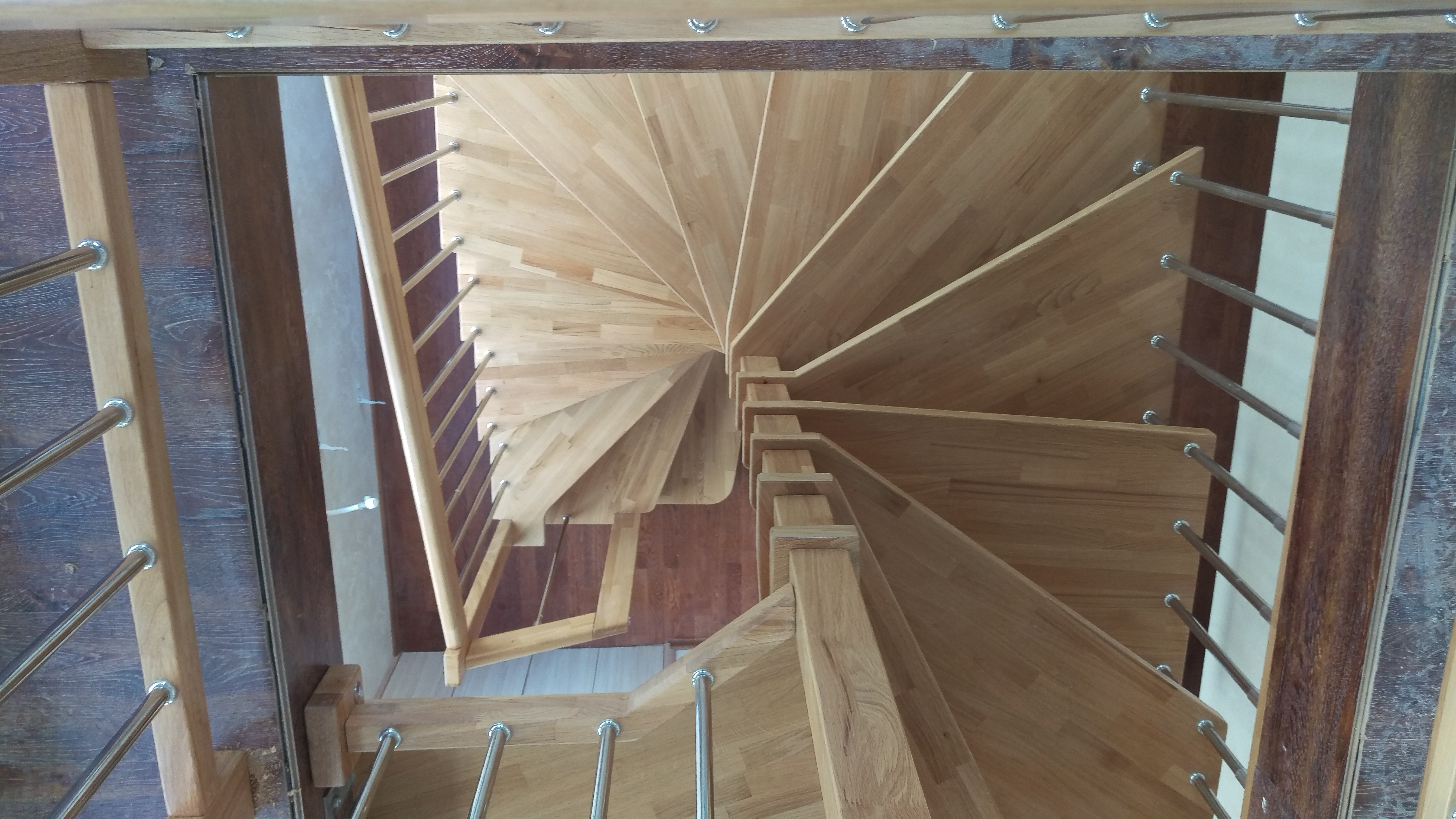 Интериорна спираловидна стълба-ПРОЕКТ-89