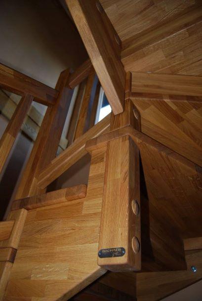 Интериорна дървена стълба-ПРОЕКТ-97-2