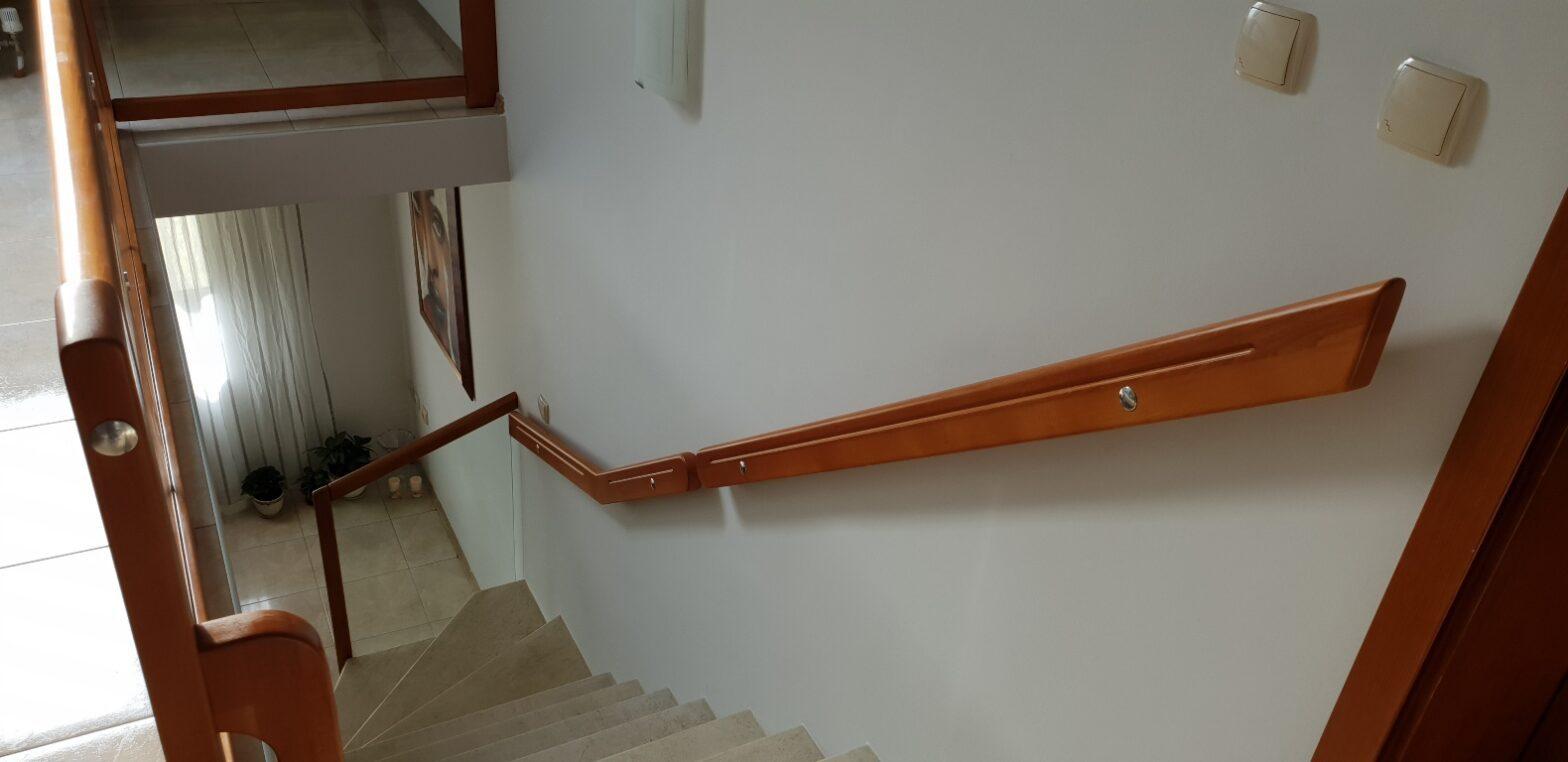 Осигуряващи удобство при ползване на стълбата